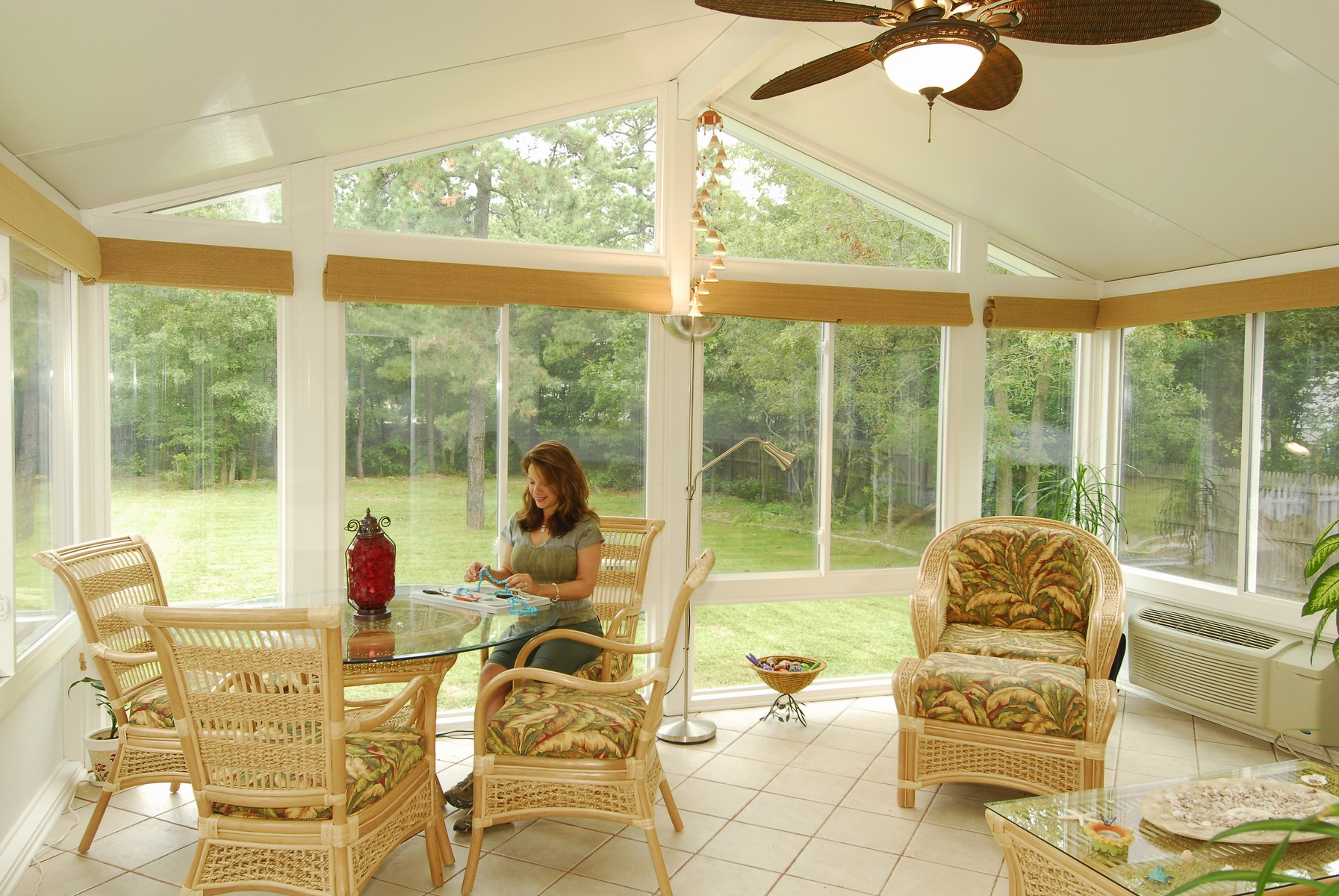 Sunroom roof sunroom done in brick w hip roof for Do it yourself sunroom